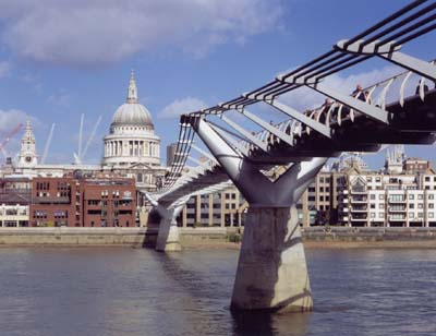 Millennium Bridge, London, 1996-2000. © Foster and Partners